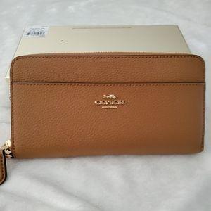 Coach Authentic zip wallet